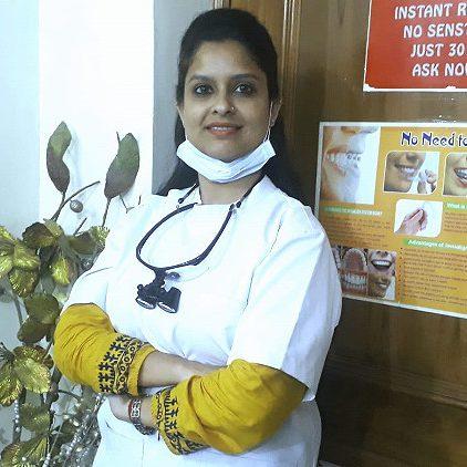 Dr. Pooja Agarwal dentist dwarka